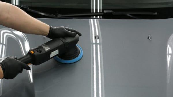 Fahrzeugaufbereitung Politur Aussenpflege2
