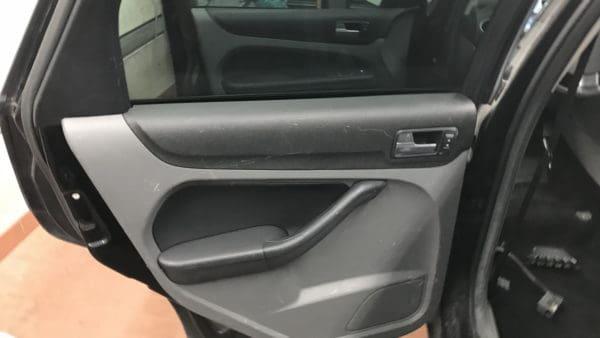 Innenreinigung Ford Focus Stark Verschmutzt 12